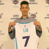 Jeremy Lin Had to Convince Arena Security He's on the Hornets