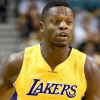 Julius Randle Lacerates Hand, Receives 7 Stitches