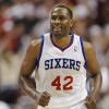 76ers Re-Sign Elton Brand