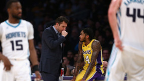 Luke Walton Says Lakers Aspire to Be One of NBA's Top-10 Defensive Teams