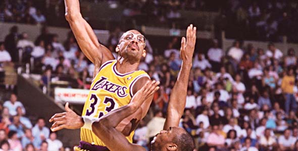 3d3cd2c942d91e Top 10 Best Basketball Players All-time in California