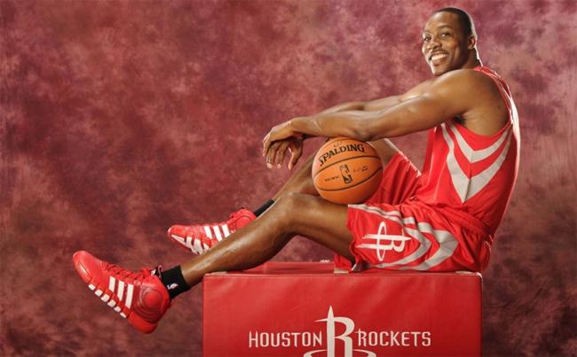 best service f4f5e 1cee5 Dwight Howard Debuts adidas Howard 4 In Houston Rockets Photoshoot