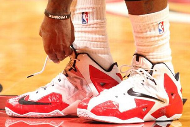 ae6f6da6e589 LeBron James Finally Wears Nike LeBron 11 PE For Entire Game