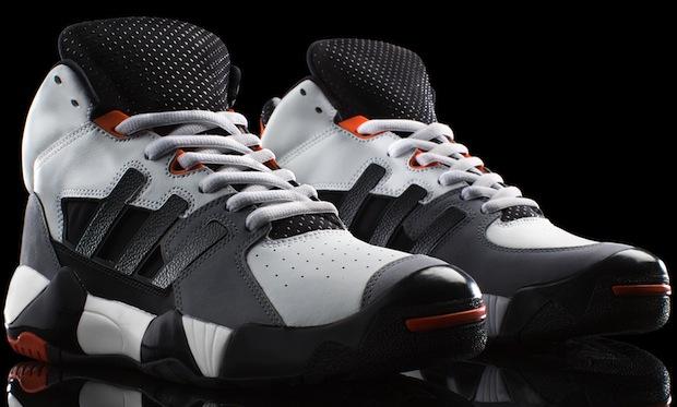 Street_ball_OG_white_Both_Shoes