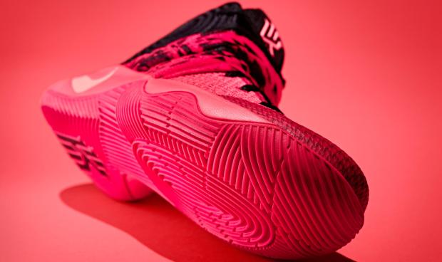 NikeKyrie1intro-2