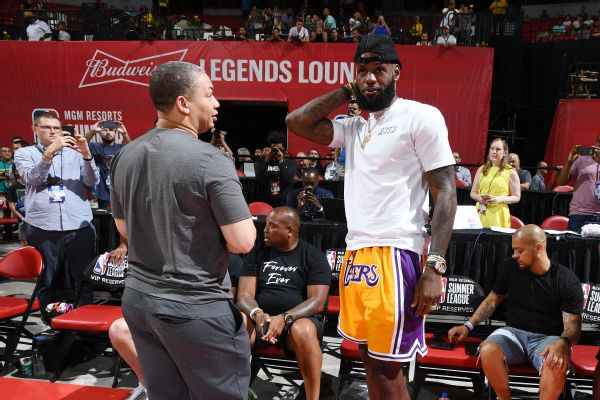 00fc02f1b38 Lakers Plan to Roll Out Warriors-Style  Death Lineup  with LeBron ...